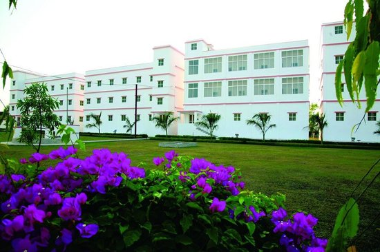 Deoghar, Indien: Rakhia Ashram building.