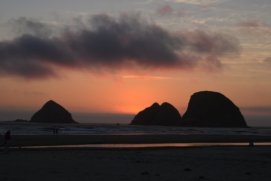 Three Arch Inn: A great sunset