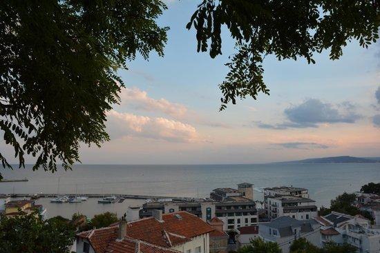 Hotel Lotos: Вид с одной из улиц Балчика