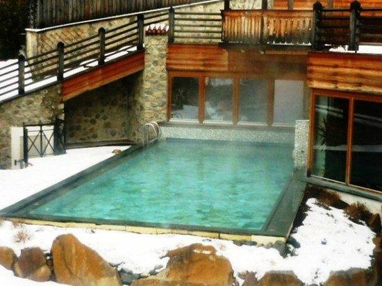 Hotel Taubers Unterwirt : piscina open air