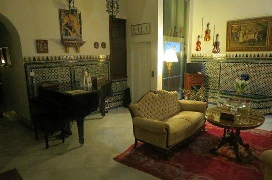 Hotel Amadeus: The quaint lobby