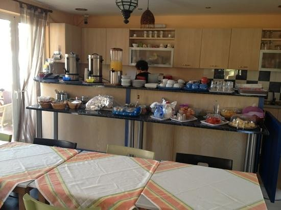 9 Musses Hotel and Studios: Breakfast buffet