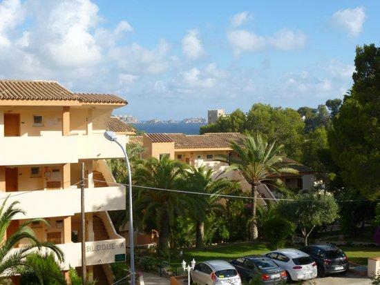 Valentin Paguera Hotel & Aptos: vista desde balcon habitacion