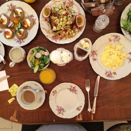 Peer Guest House : Breakfast at Eden House Bistro