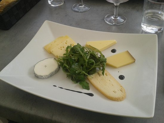 assiette de fromage photo de osmoz coueron tripadvisor. Black Bedroom Furniture Sets. Home Design Ideas
