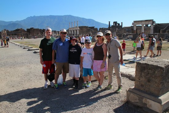 Tours Pompei: Pic of our family with Sasha on the right