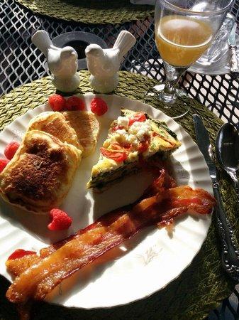 Hillcrest Inn: Amazing breakfast!