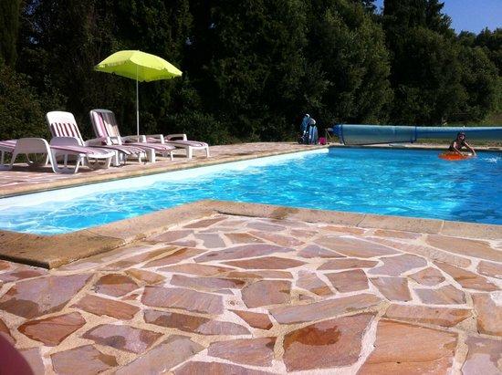 Piscine picture of domaine de la petite tour montreal for La piscine review
