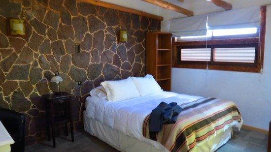 Parina Atacama Apart Hotel: Quarto confortável no segundo andar