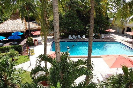 Amara Cay Resort: Piscine
