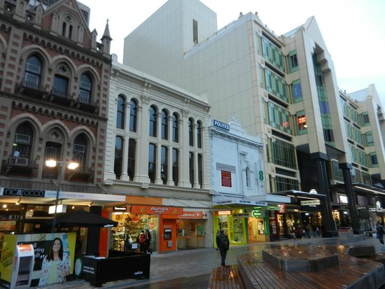 Rundle Mall : some shops