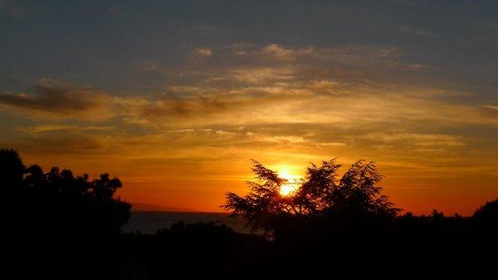 Hôtel Beau Site : Sonnenaufgang vom Balkon aus