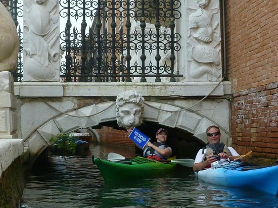 Venice Kayak : working our way under one of many bridges