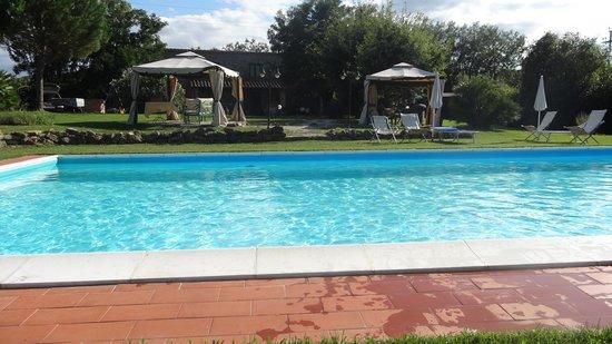 Casavacanze Podere Cascatelle & Agriletizia: piscina