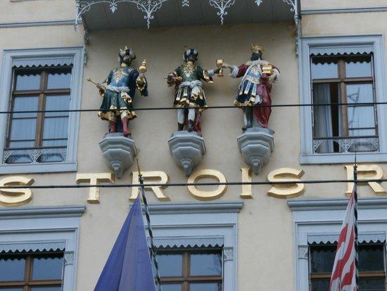 Grand Hotel Les Trois Rois: Hotel exterior