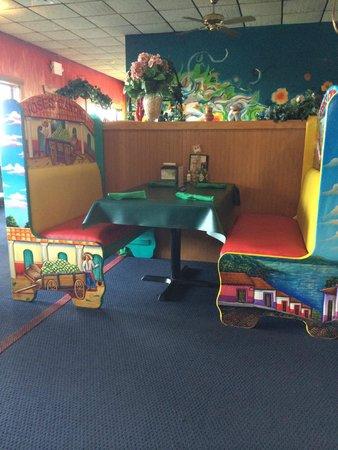 Jose's Cantina: Jose's unique booths