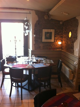 restaurant la tonnelle dans nantes avec cuisine fran aise. Black Bedroom Furniture Sets. Home Design Ideas