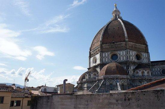 B & B Novecento: 屋上バルコニーから見るドゥオモ