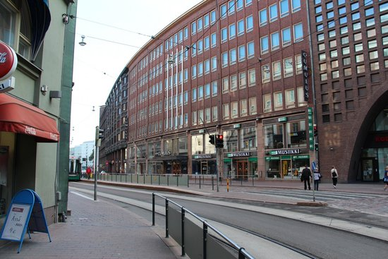 Cumulus Kaisaniemi: Hotel set fra gaden