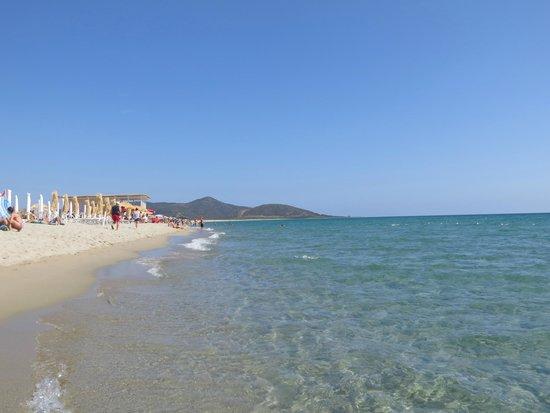 Maria Caderina Green Village: Spiaggia Su Tiriarzu