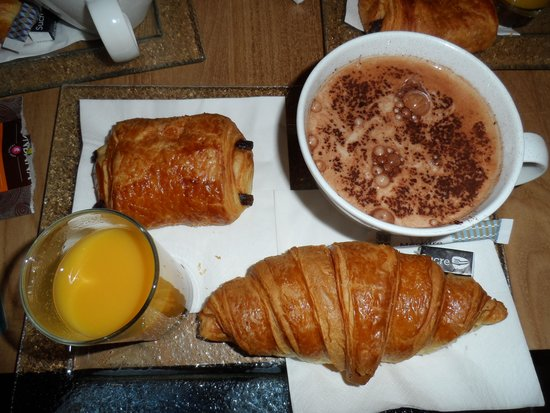 Mercure Chamonix Les Bossons: Petit déjeuné à 8 euros.