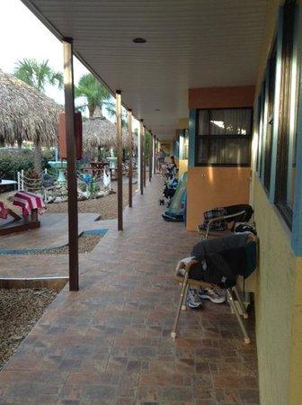 Plaza Beach Hotel - Beachfront Resort: motel