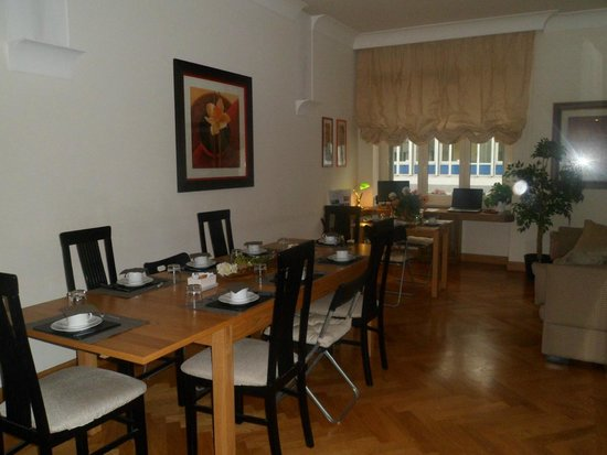 Domus Cavour: Salón para el desayuno