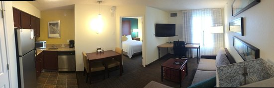 Residence Inn Dallas Addison/Quorum Drive : Panoview of the Room