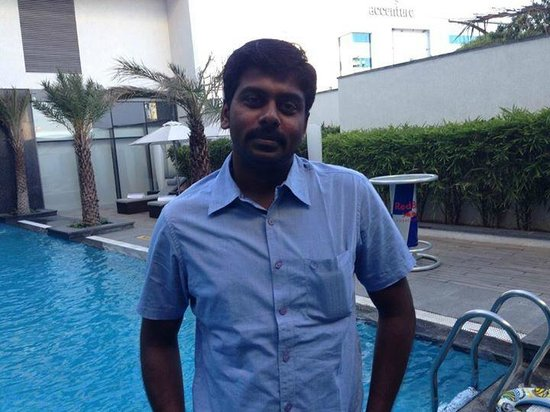 The Gateway Hotel IT Expressway Chennai: a pose to capture the feel after coming out from bar...