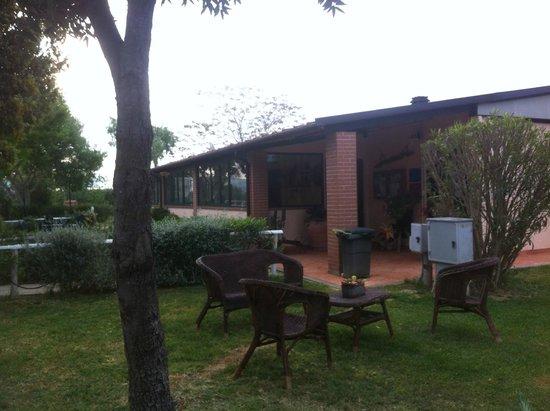 """Agriturismo La Serrata: La """"club house"""" merenderia ristorante"""