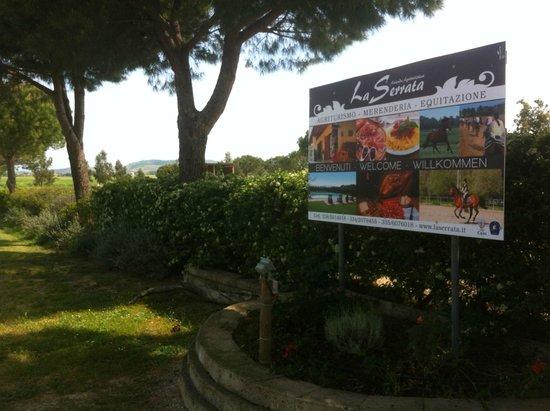 Agriturismo La Serrata: L'ingresso