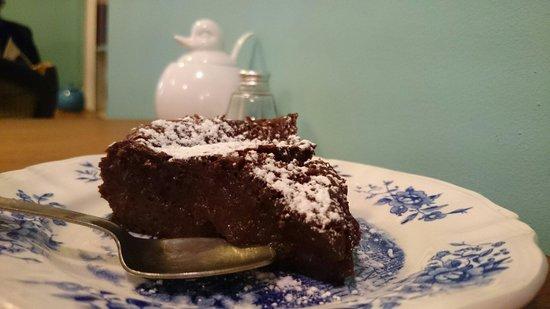 Chez Léontine : The mind-blowing chocolate fondant.