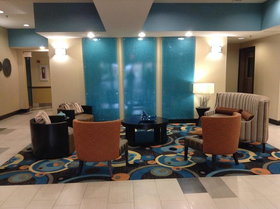 La Quinta Inn & Suites Oxford - Anniston : Lobby