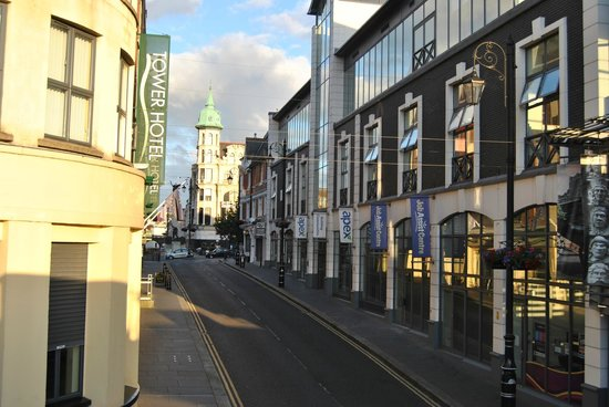 Walled city Londonderry: .