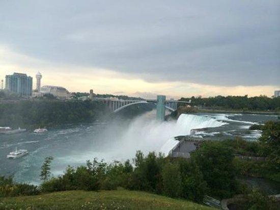 Niagara Falls Walking Tours: View of Niagara Falls