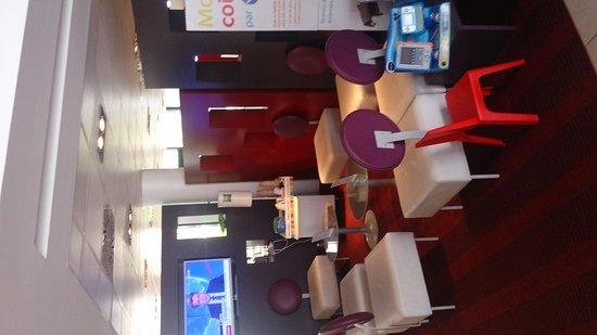 Ibis Styles Nice Aéroport Arénas : Breakfast area