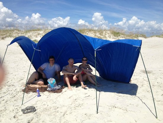 Masonboro Island Reserve : Our makeshift shelter