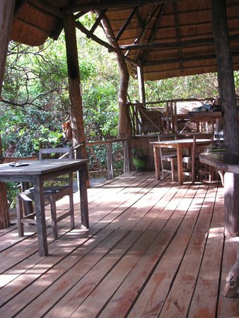 Bua River Lodge: Teil des Restaurant