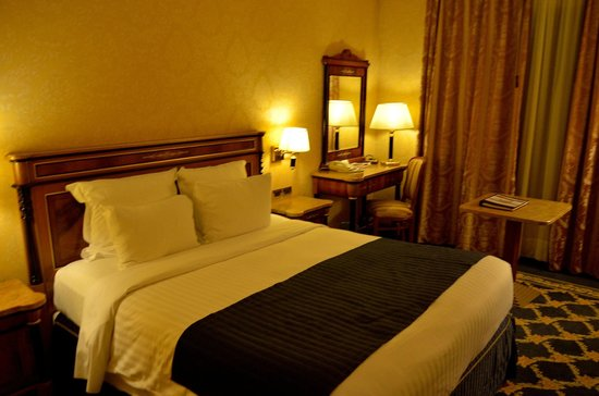 Milan Marriott Hotel: room