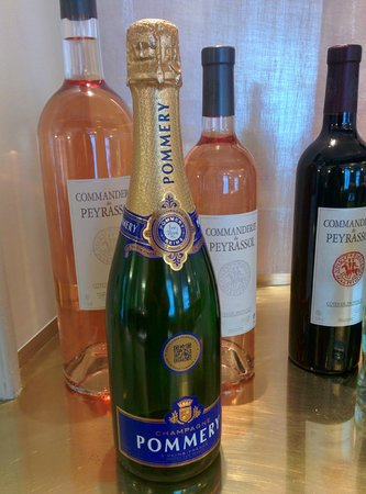 Hotel de Sevigne : We tasted this Champagne