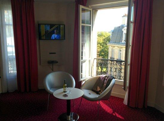 Hotel de Sevigne: our room