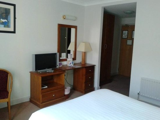 Camden Court Hotel: Room