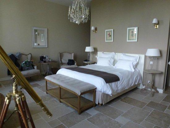 Manoir d'Astrée : Downstairs room