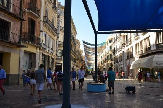 Room Mate Larios : the streets just ourside your doorstep