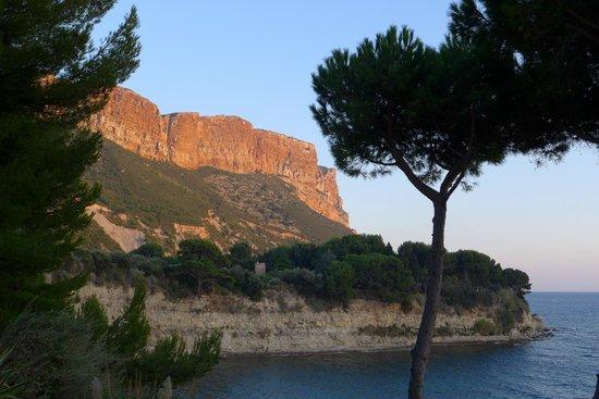 La Villa Madie : vue de la terrasse sur le cap canaille