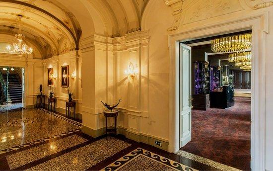 Le Palais Art Hotel Prague Corridor