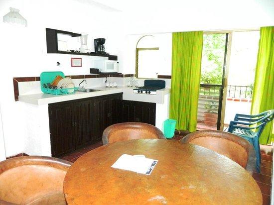 Suites Plaza Del Rio: Cocina