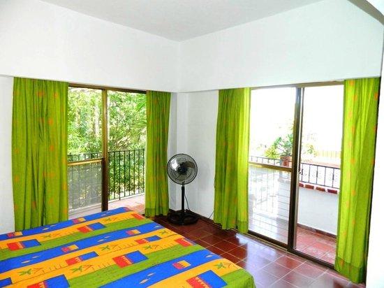 Suites Plaza Del Rio: Recamara