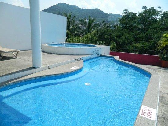 Suites Plaza Del Rio: Area de Jacuzzie