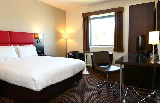 โรงแรมอินเตอร์เนชั่นนั่ลโฮเต็ลเทลฟอร์ด: Double Room